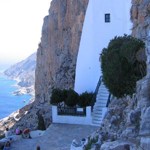 zeilvakantie cycladen amorgos klooster